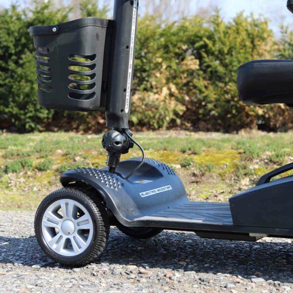 kleines Elektromobil für Senioren: Die Fußablage