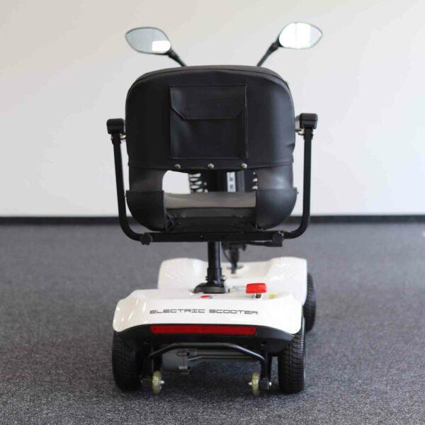 kleines Elektromobil für Senioren von hinten