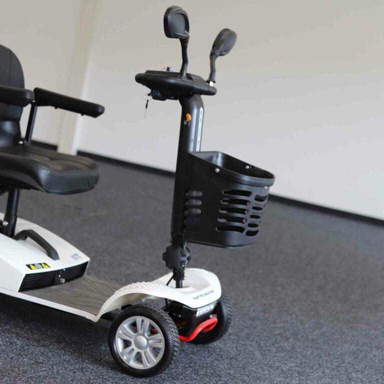 kleines Elektromobil für Senioren: Der Korb